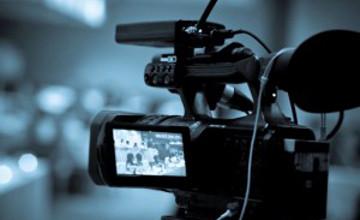 Нұрлан Абдуллин мен Сәкен Майғазиев «Қазақ елі» мультфильмінде «Қарақшылар» әнін орындайды