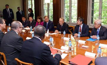 纳扎尔巴耶夫:哈萨克斯坦完成入世进程
