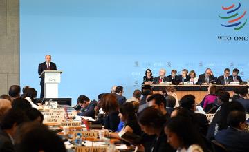 纳扎尔巴耶夫介绍哈萨克斯坦为外国投资者提供的各项优惠政策