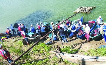 Юные уральские и актюбинские туристы-экологи исследовали реку Урал