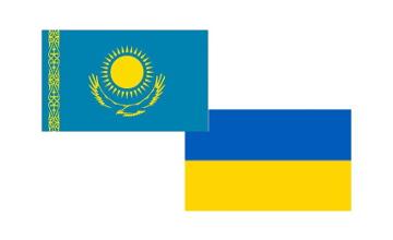纳扎尔巴耶夫总统同乌克兰总统波罗申科通电话
