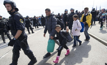 25,000 refugees arrive in Croatia, most leave for next destination