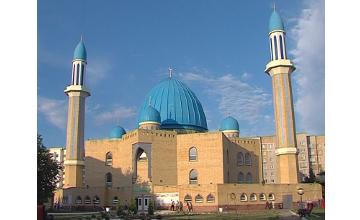 В Петропавловске представители религиозных конфессий поздравили мусульман со священным праздником Курбан айт