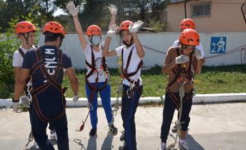 Юные жамбылцы соревновались в навыках пожарно-спасательного спорта (ФОТО)