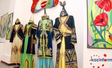 На выставке в Алматы представлены более 130 этнических нарядов  (ФОТО)