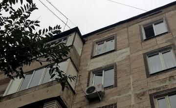 Балаларын балконнан лақтырып жіберген әйел шизофренияның ауыр түрімен ауыратыны расталды - Алматы