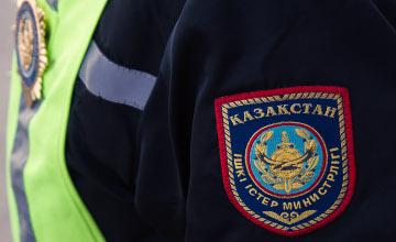 Астанада қылмыскер екі полицейді жарақаттады