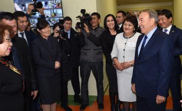Н.Назарбаев Алматыда жеке инвестиция қаржысына салынған жаңа балабақшаны аралап көрді