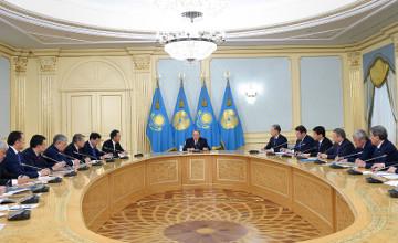 纳扎尔巴耶夫总统会见各州州长、阿斯塔纳和阿拉木图市市长