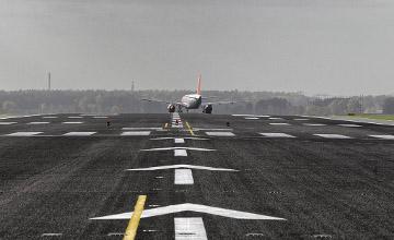 На севшем в Атырау самолете «Air Astanа» сработал датчик экстренной посадки