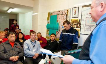 В Алматы для сотрудников ТРЦ проводят учения по подготовке к ЧС (ФОТО)