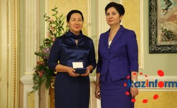 Известной писательнице С.Досжановой присвоено звание «Заслуженный деятель Казахстана»