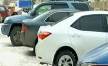 В Алматы выявили 68 стихийных автопарковок