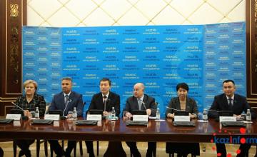 Депутаты Мажилиса Казахстана выступили с инициативой о досрочном роспуске (ФОТО)