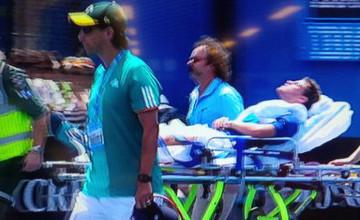 Аргентиналық теннисшіні Australian Open кортынан зембілмен алып кетті