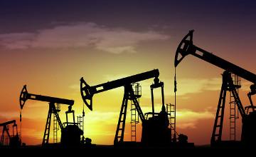 В Ливии эвакуировали сотрудников с трех нефтяных месторождений из-за угрозы атак ИГ