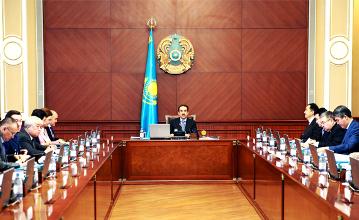 马西莫夫总理要求政府在本周内完成财政预算修订