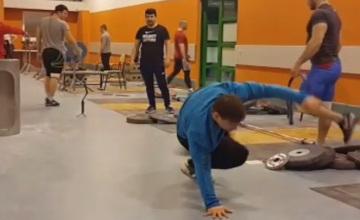 Илья Ильин станцевал брейк-данс на тренировке (ФОТО, ВИДЕО)