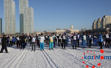 Аким Астаны пробежал 1,6 км на лыжном фестивале к 25-летию Независимости РК (ФОТО)
