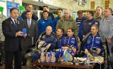 俄罗斯宇航员谢尔盖•沃尔科夫被授予哈萨克斯坦共和国