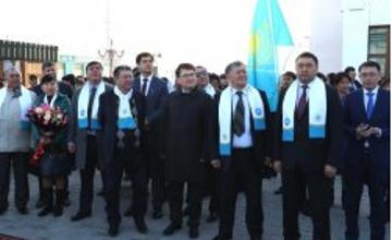 """""""永恒的国家""""宣传专列抵达克孜勒奥尔达市"""