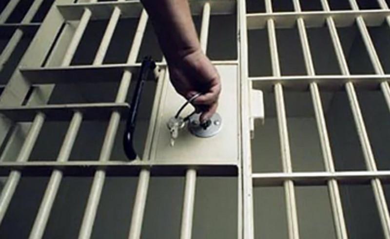Трое суток ареста получил житель Атырауской области за грубость и мат по телефону