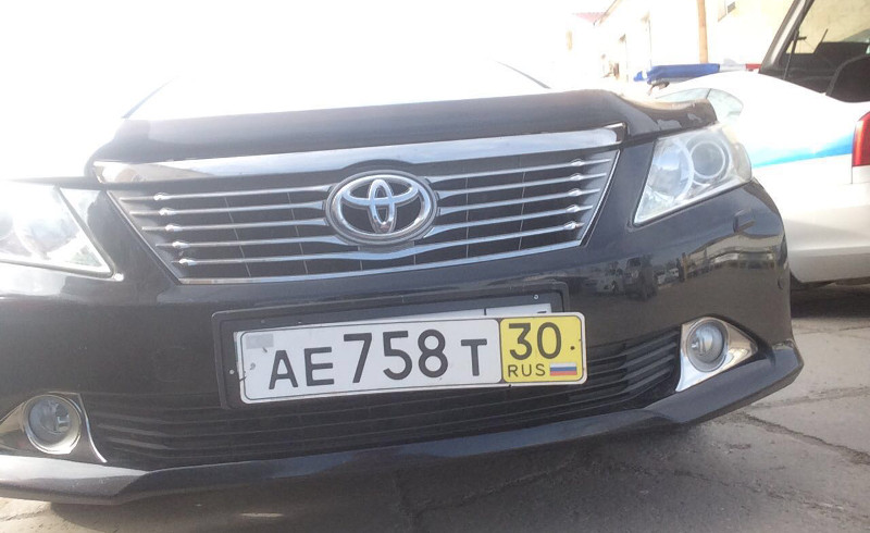 Акима Атырауской области в районе встретили на машине с двойными номерами