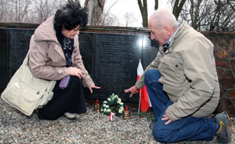 Делегация из Польши посетила захоронение польских солдат в Жамбылской области