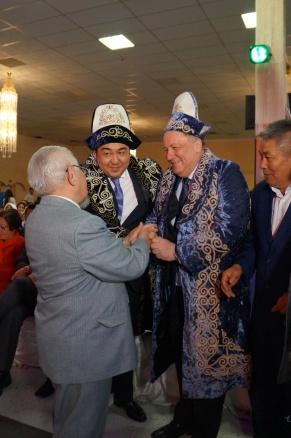 欧洲哈萨克人例会在德国召开 庆祝哈萨克斯坦独立25周年