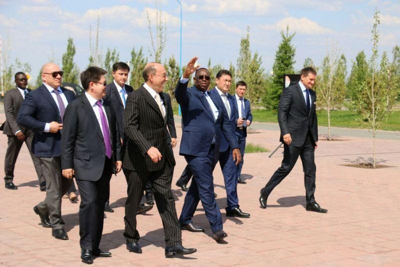 Президент Сенегала посетил Казахстанский электролизный завод в Павлодаре