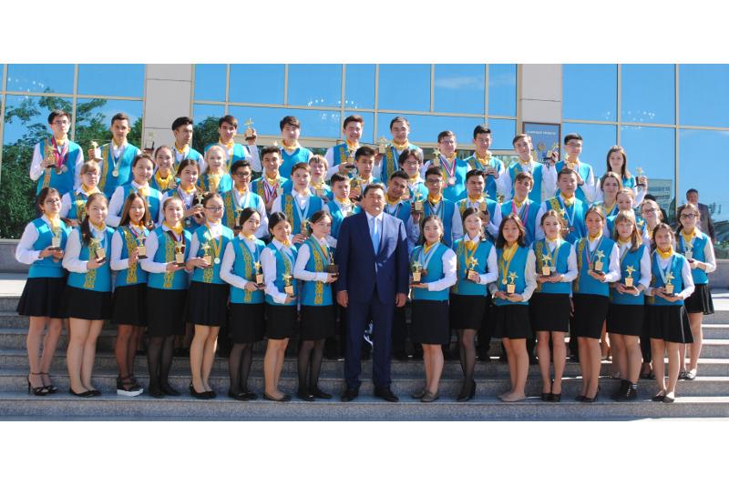 Б. Бакауов: Качество образования региона оценивается в республике благодаря юным интеллектуалам