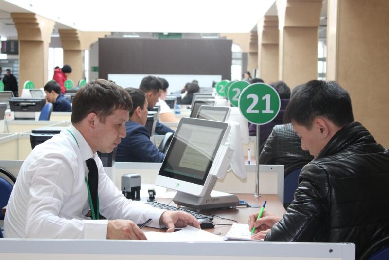 Казахстанцы могут получать водительские права без привязки к месту жительства