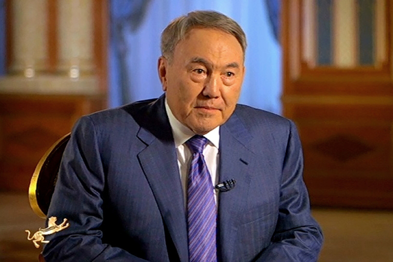 纳扎尔巴耶夫就五大改革目标和百步计划进行阐述