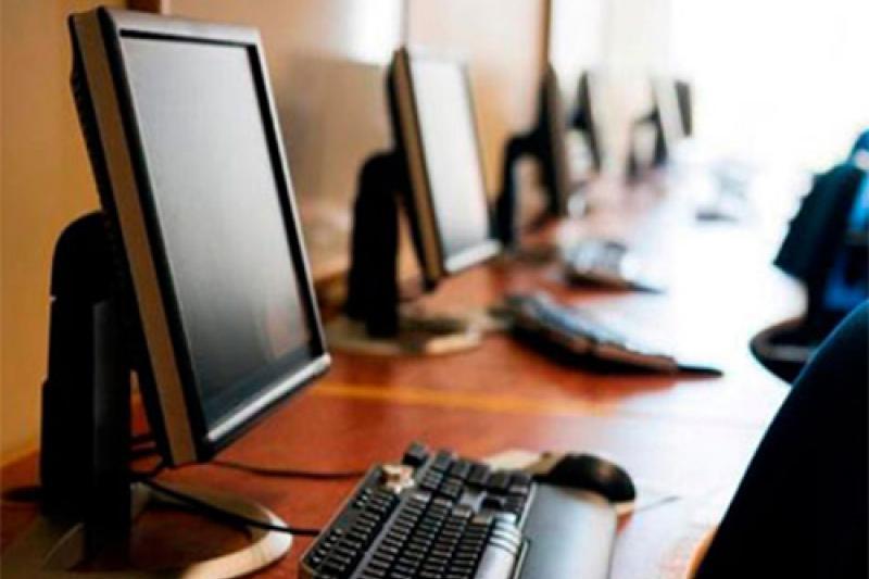 В Атырауской области для школ закупят 3 тыс. компьютеров и 21 тыс. парт