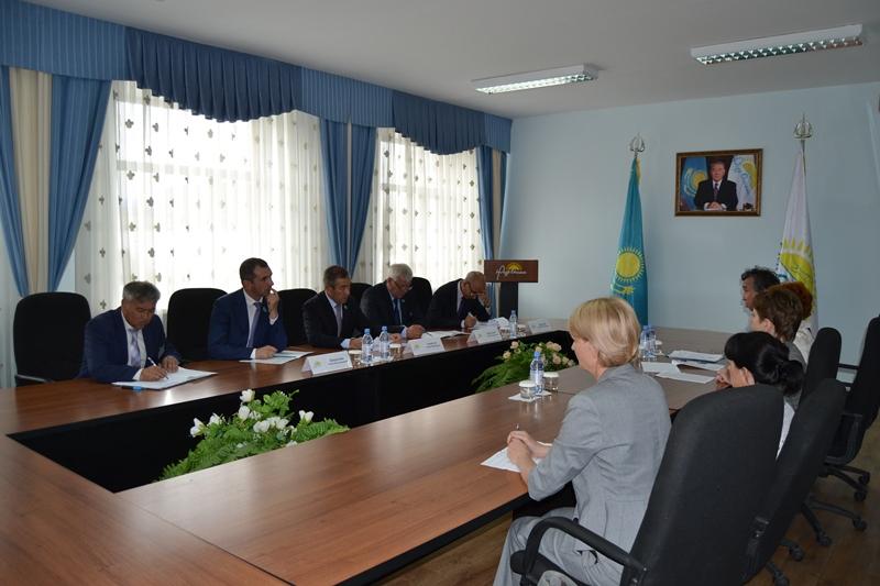 Депутаты Мажилиса посетили в СКО ряд строящихся объектов (ФОТО)