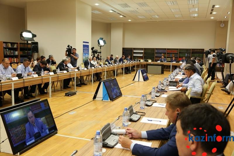 土地改革委员会会议在阿斯塔纳召开