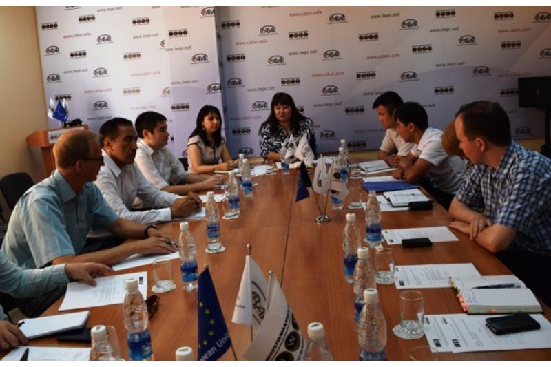 Эксперты: Кыргызстан рискует в ближайшее  десятилетие оказаться исламским государством (ФОТО)