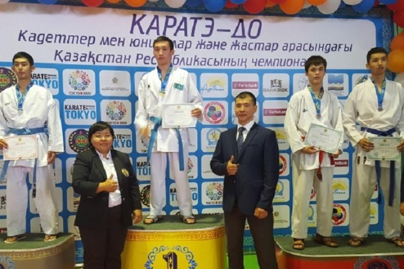 Два каратиста из Астаны поедут на чемпионат Азии