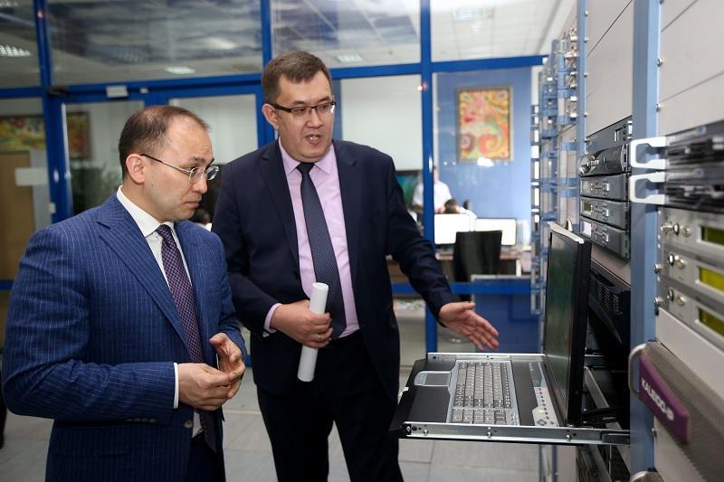 Поэтапное отключение аналогового вещания приведет к развитию мобильной связи  - Даурен Абаев