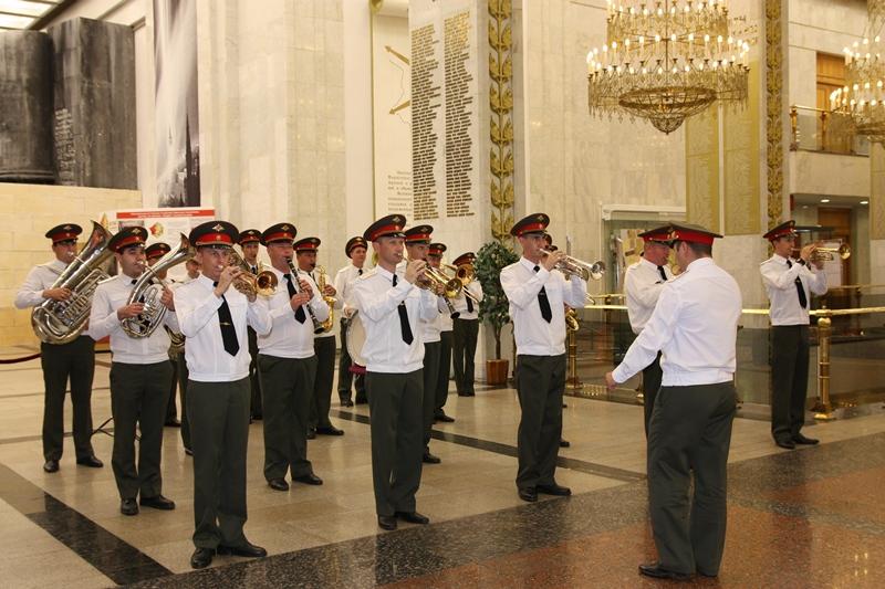 В Москве почтили память героев-панфиловцев (ФОТО)