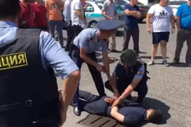 В Алматы задержали 27-летнего уроженца Кызылординской области, напавшего на постового полицейского - МВД РК