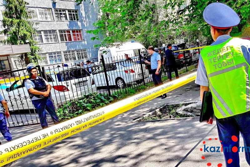 В Алматы погибли трое полицейских и один житель города - МВД РК
