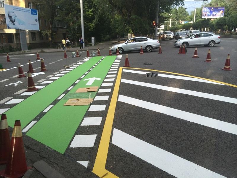 Первый дорожный велопереезд заработает в Алматы (ФОТО)