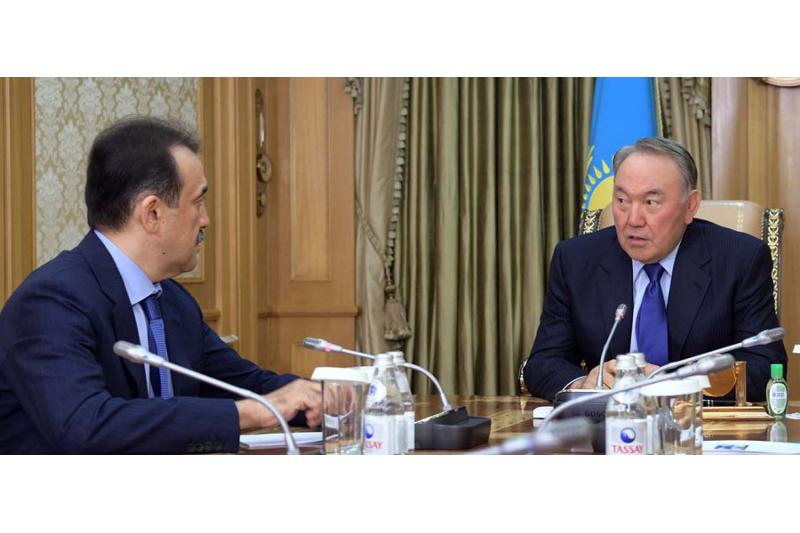 马西莫夫总理向总统汇报国内经济社会发展现状