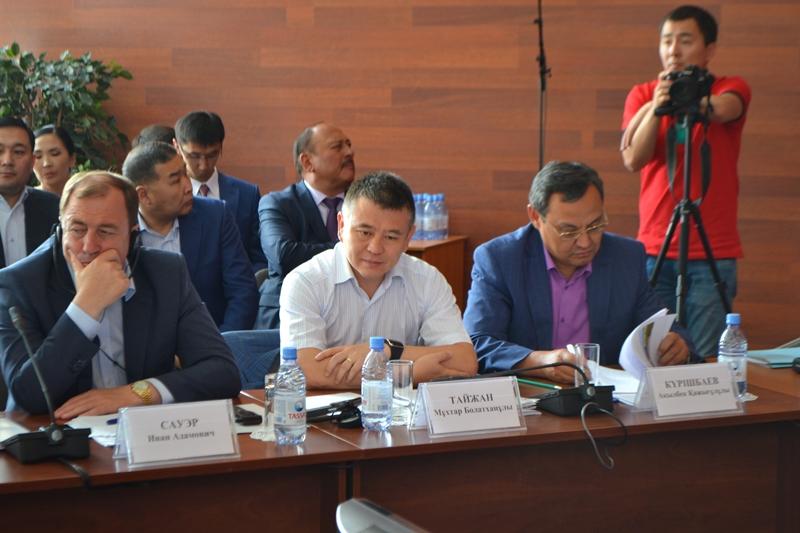 Нужно усилить ответственность по рациональному использованию земель - Ахылбек Куришбаев