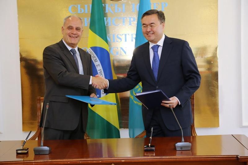 Казахстан и Бразилия подписали соглашение о безвизовом режиме