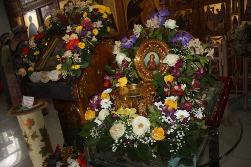 К мощам святого Пантелеймона в Актау приложились сотни христиан