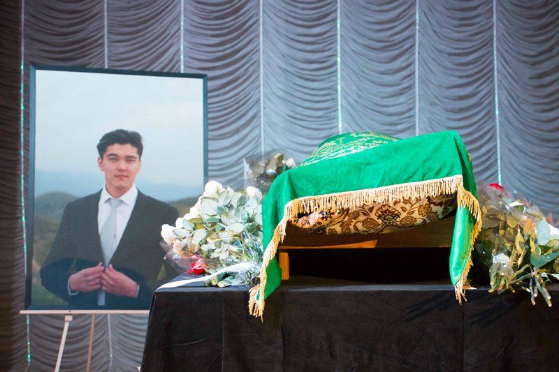 Almaty bids farewell to Safar Shakeyev (PHOTOS)