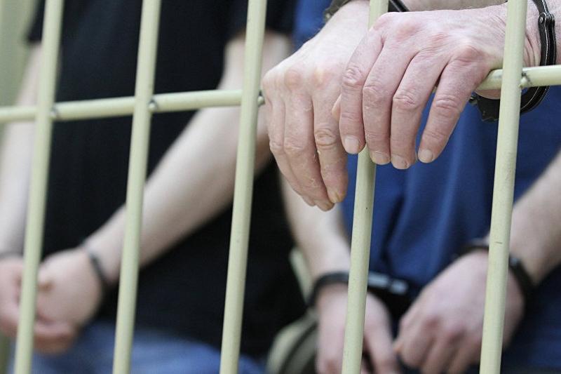 В Ушарале задержаны четверо мужчин с оружием и наркотиками