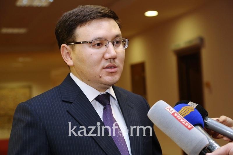 Перевод мировых учебников на казахский повысит уровень образования - эксперт